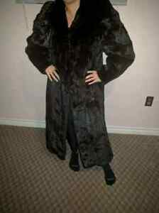 Size large full length mink fur coat.  Peterborough Peterborough Area image 2