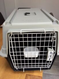 DOG CARRIER Atlas 40 for small and medium dogs .