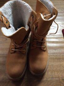 Timberland boots 5.5