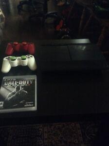 PS3 super slim avec black ops 2 et 2 manettes
