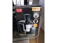 Delta whole fruit juicer