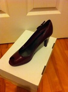 Cleaning out closet - NEW in box wine Bandolino shoes sz 10