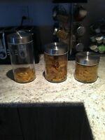 3 pots en vitre et acier inoxydable