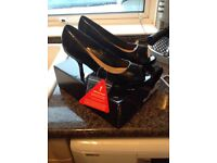 New ladies shoes size 7