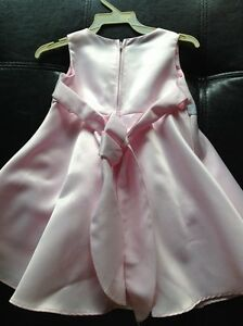 Flower girl / formal Dress - Pink and white 12-24 months Kitchener / Waterloo Kitchener Area image 2