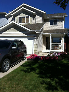4 Bedroom House w/ Double Garage for Rent in Okotoks