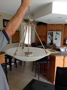 HANGING CHANDELIER LIGHT FIXTURE PERFECT FOR ANY DECOR! Windsor Region Ontario image 1