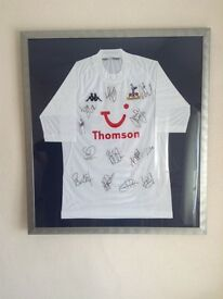 Spurs Framed Football Shirt 04 - 05 Season - Signed with Certificate
