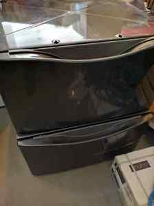 Maytag Whirlpool washer & dryer pedestals - excellent condition Strathcona County Edmonton Area image 1