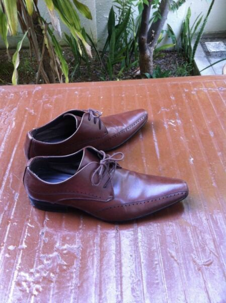 Bata brown leather shoes Size 43, used but still have plenty of life.