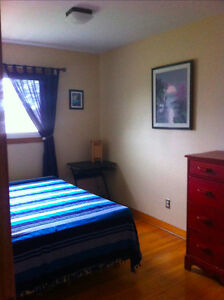 ROOM RENTAL WOODLAWN DARTMOUTH NEAR LAKE BANOOK
