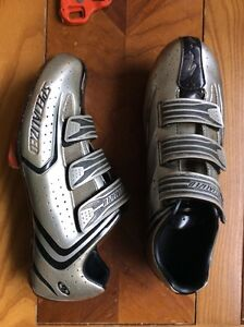 Sz 10 Specialized Carbon and Leather Body Glove Shoes