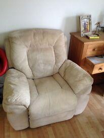 Reclineing armchair(Harvey's)