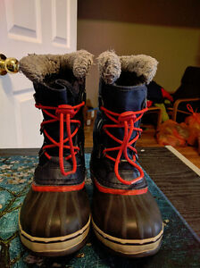 "Boys Size 2 Sorel ""Yoot Pac"" Waterproof Winter Boots, EUC London Ontario image 2"
