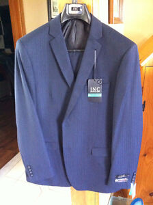MENS SUIT  *BRAND NEW* NEVER WORN