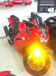 Kawasaki Ninja 2012 EX250 cc NEUF MOTO