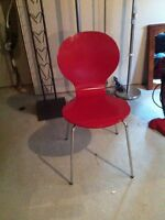 Red chair chaise rouge