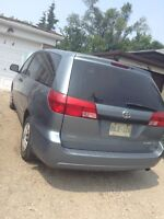 2004 Toyota Sienna LE in Amazing condition!!!!