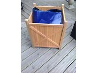 Hardwood planter with liner