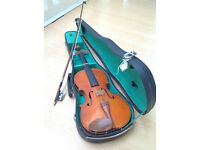 Beautiful 3/4 Stentor Violin, wooden pegs and chin rest
