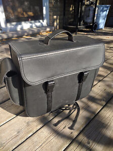 Black leather saddle bag London Ontario image 2