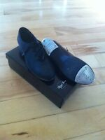 Good quality tap dancing shoes, size 5 youth