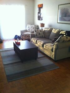 Large all inclusive downtown 1 bed with balcony available Nov 1 Kingston Kingston Area image 2