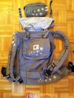 Ergo baby carrier with extra pouch