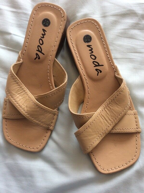 "Sandals Beige Real Leather Size 4in Didsbury, Manchester - Worn once indoors.Real Leather Beige Sandals.Small heel approx 1.5""Collection from Didsbury please.Advertised on other sites"