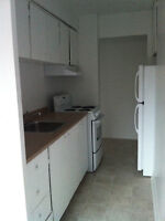 Spacious 2 Bedroom Apartment on Russell St.