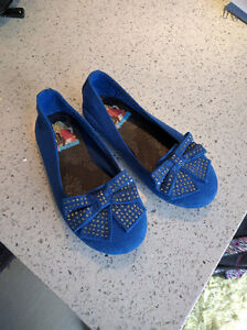 Girls size 11 Liv and Maddie shoes