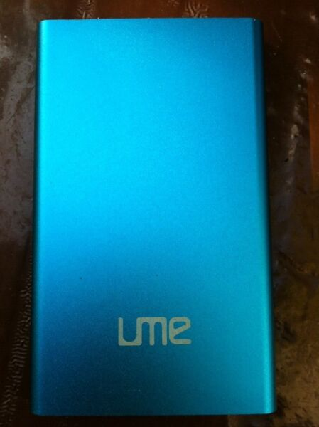 Ume power bank 12800 mah.  In good condition.