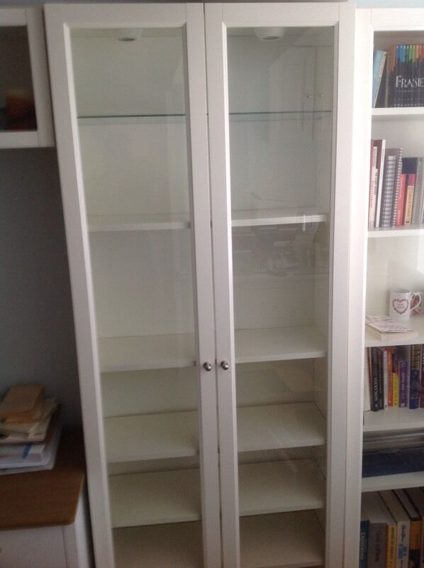 Ikea Billy Bookcase With Glass Panel Doors 1 Glass Shelf 4 White Shelves And Lights In