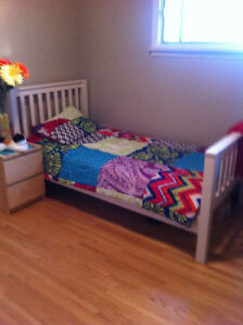 Single white bed frame - Excellent condition