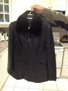 Danier Leather Jacket MINT condition Size XS