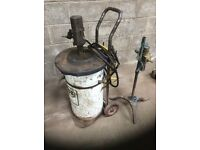 Cheap to clear Air operated grease gun