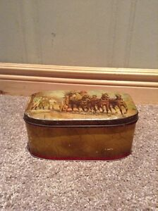 Old Metal tin (unlabeled and no date) Kitchener / Waterloo Kitchener Area image 1