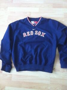Boston Red Sox warm up pull over