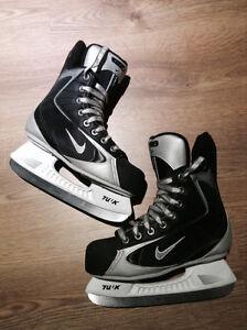 Patins Nike pratiquement neufs! Québec City Québec image 1