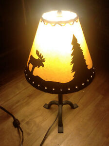 Lamp With Moose and Trees - Lampe Avec Orignals et Arbres