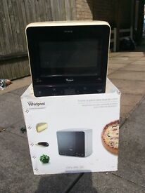 Whirlpool MAX Microwave Oven New
