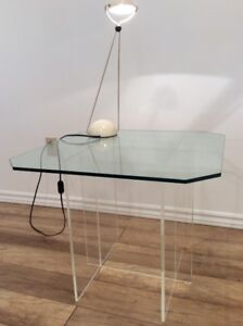 1x Lucite Coffee Table - Table a Café en Lucite/Acrylique 1980