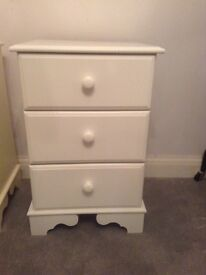 WHITE PAINTED 3 DRAWER BEDSIDE