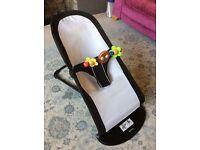 Baby Bjorn bouncy chair
