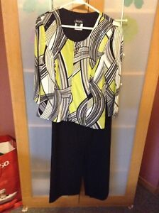 Geometric Patterned Outfit - Size 10