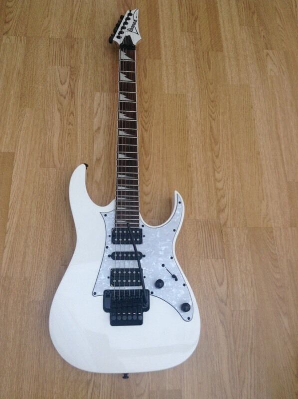 Ibanez rg350dxzin North Weald, EssexGumtree - Ibanez rg350dxz for sale, buyer collects, 2015 model, wizard neck, Ibanez whammy bar and its completely stock