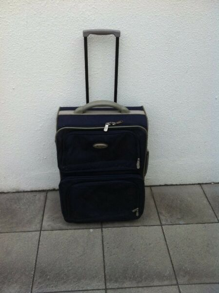 22 inches Crown luggage. Dimension 55 x 21 x 24cm.