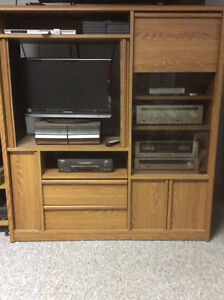 Entertainment unit -with doors