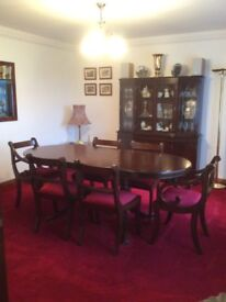 REGENCY STYLE MAHOGANY OVAL DINING TABLE PLUS 6 CHAIRS