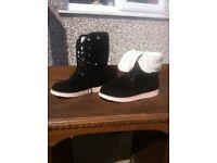 Faux fur winter boots size 5
